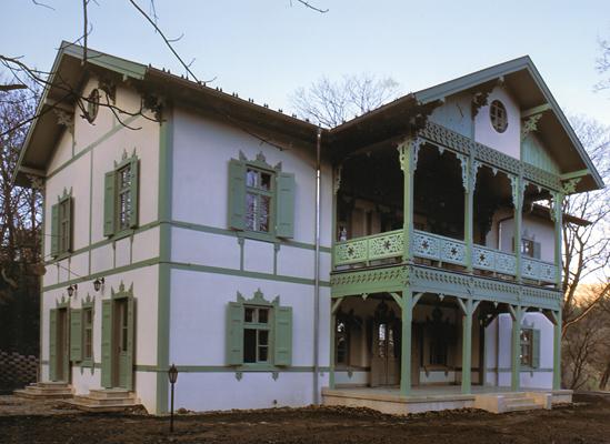 http://www.oreghazak.hu/files/gimgs/18_kochmaister-villa-2.jpg