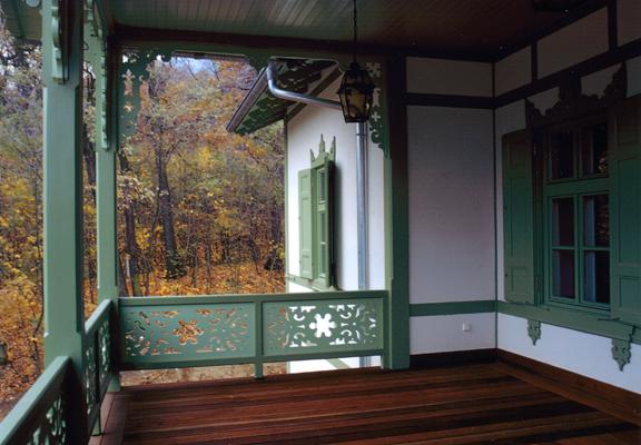 http://www.oreghazak.hu/files/gimgs/18_kochmaister-villa-3.jpg